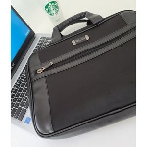 ♦️Kenneth Cole 📁 Reaction Black Padded Laptop Bag